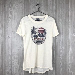 Modern Lux Adventure Graphic T Shirt M B3